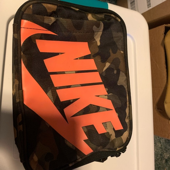 Nike insulated lunch box